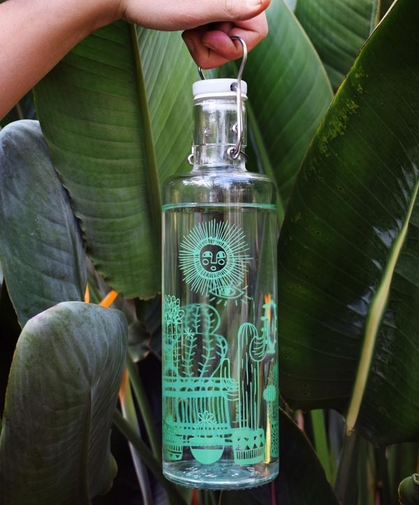 Nachhaltiges Geschenk: Plastikfreie Glasflasche