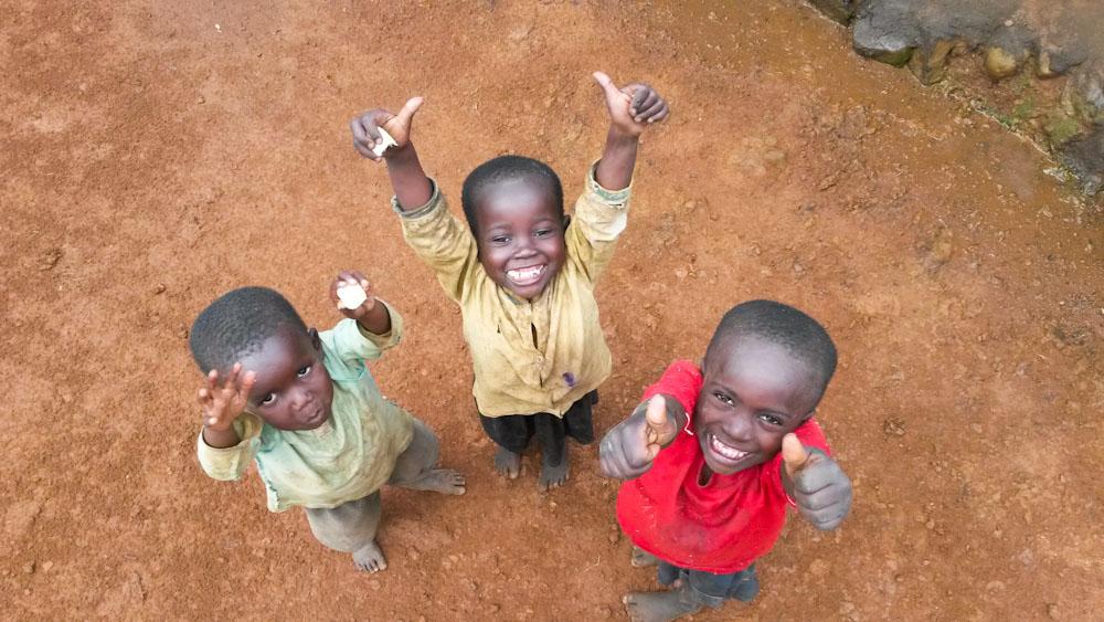 Daumen hoch für ein Visum in Tansania