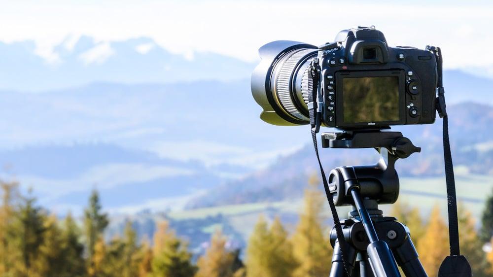 Reisestativ: Dreibeinstativ für stabile Aufnahmen