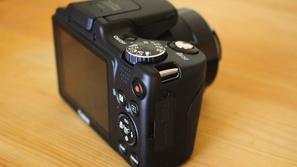 Digitalkamera Vergleich: Bridgekamera