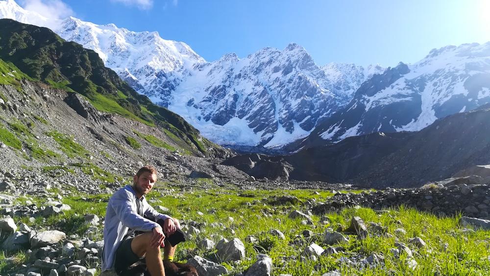 Wanderung von Ushguli zum Gletscher