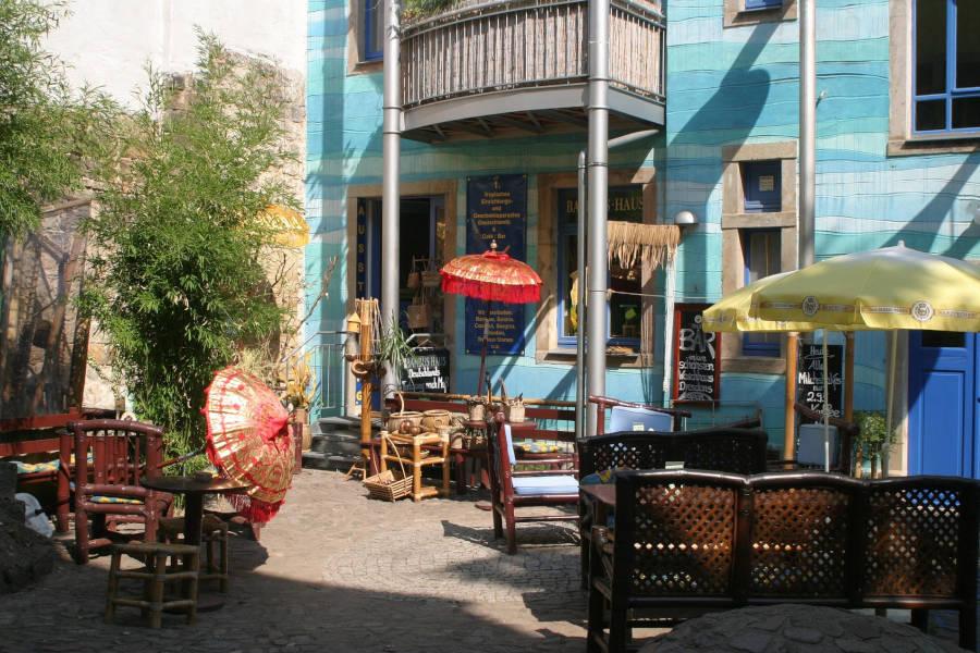 Hinterhof mit Café in der Dresdner Neustadt