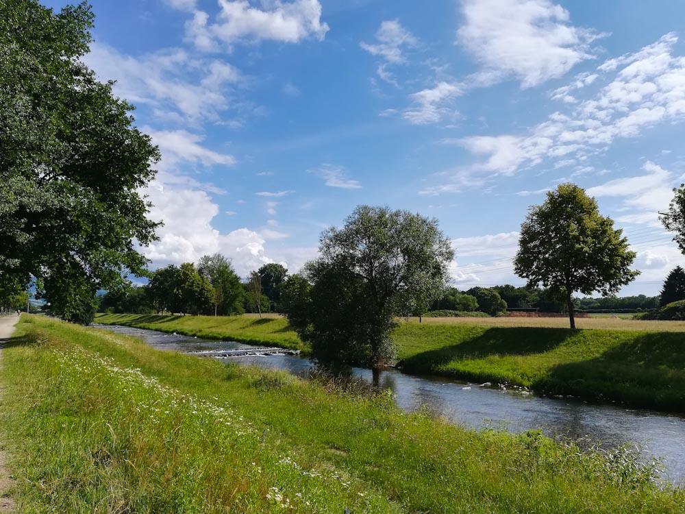 Die Dreisam durchfließt Freiburg