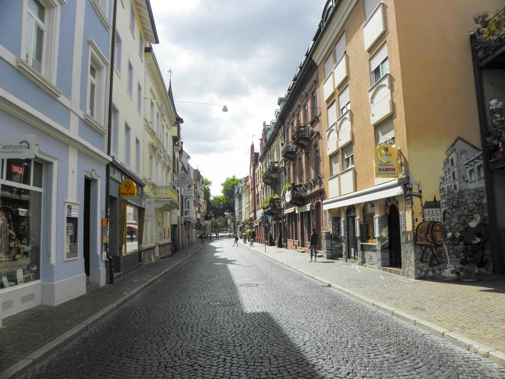 Geschäfte in Freiburgs Gerberau