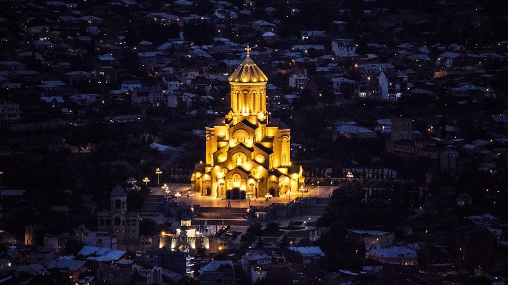 Blick von der Narikala Festung bei Nacht