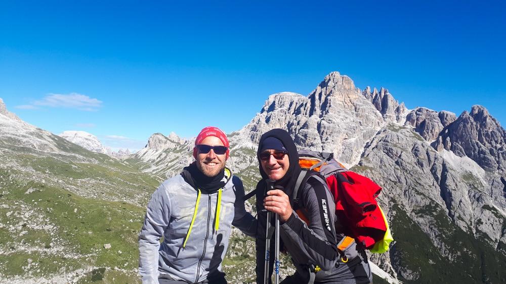 Trekking mit einem Tourenrucksack in den Dolomiten