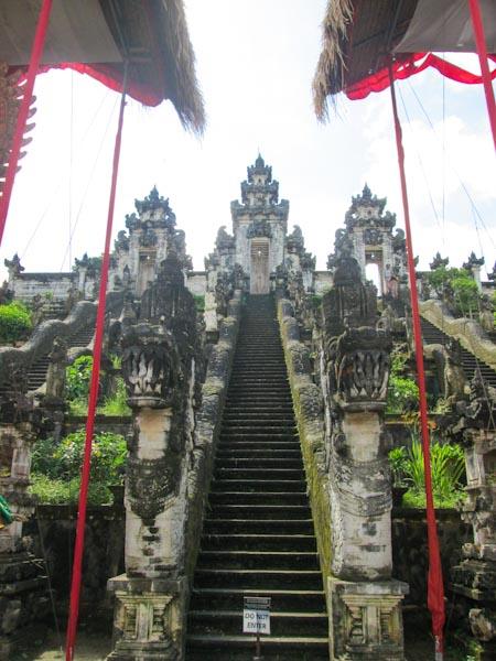 Pura Penataran Lempuyang, Aufstieg