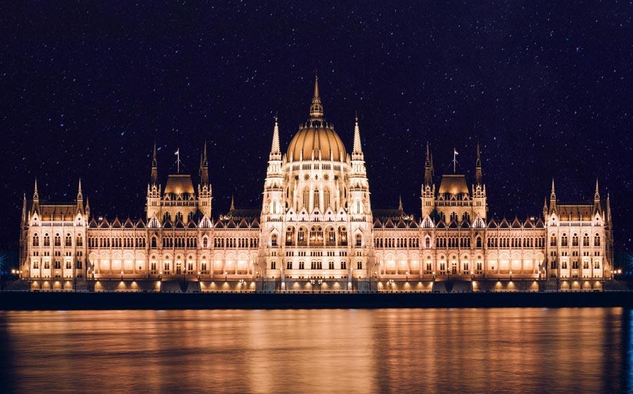 budapest-sehenswuerdigkeiten-parlamentsgebaeude