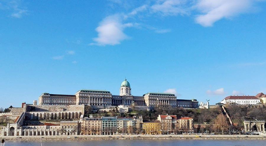 burgpalast-budapest-burgschloss