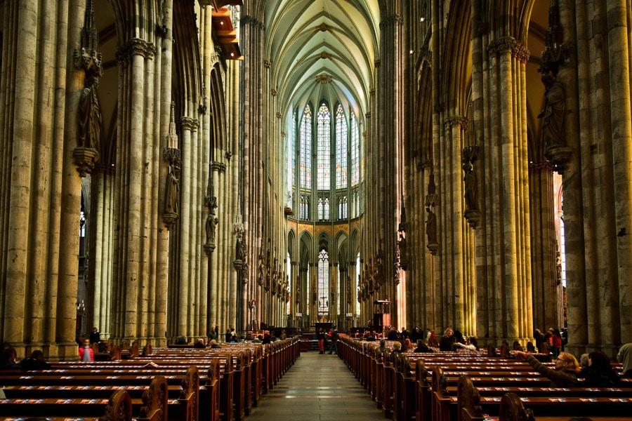 Köln Sehenswürdigkeiten, Innenansicht des Kölner Doms