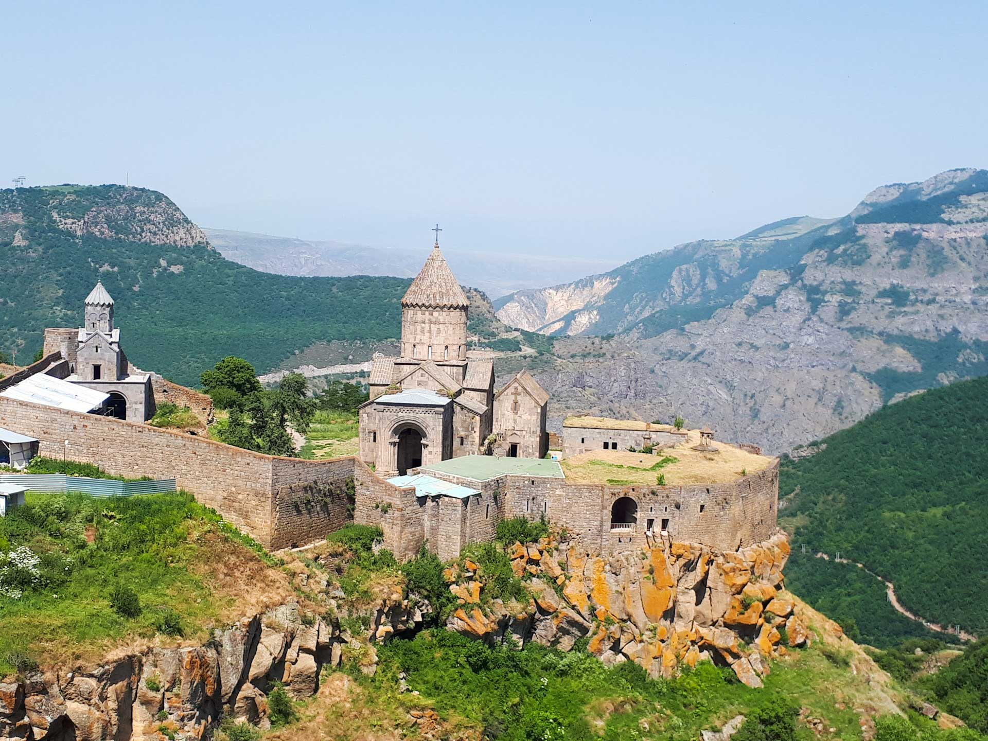 Tatev Kloster: Mit der Weltrekord-Seilbahn zur alten Klosteranlage