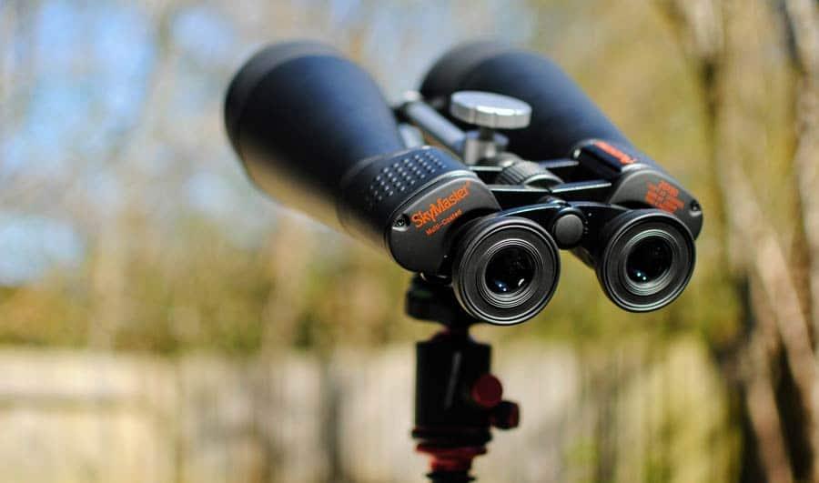 Fernglas mit Kamera vs. Adapter