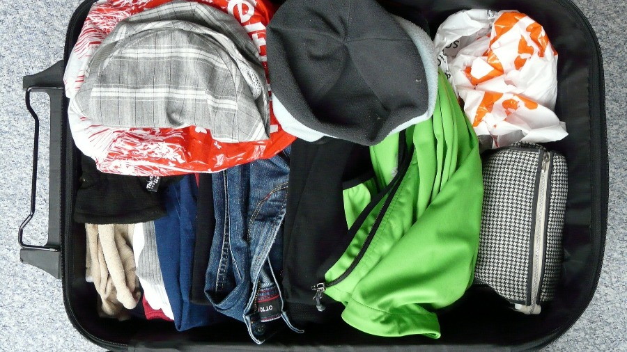 Rucksack richtig packen: lieber weniger Dinge