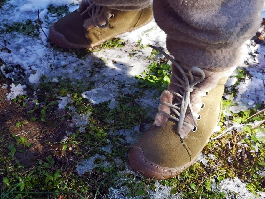 schneeschuhe-winter-barfussschuhe-kind