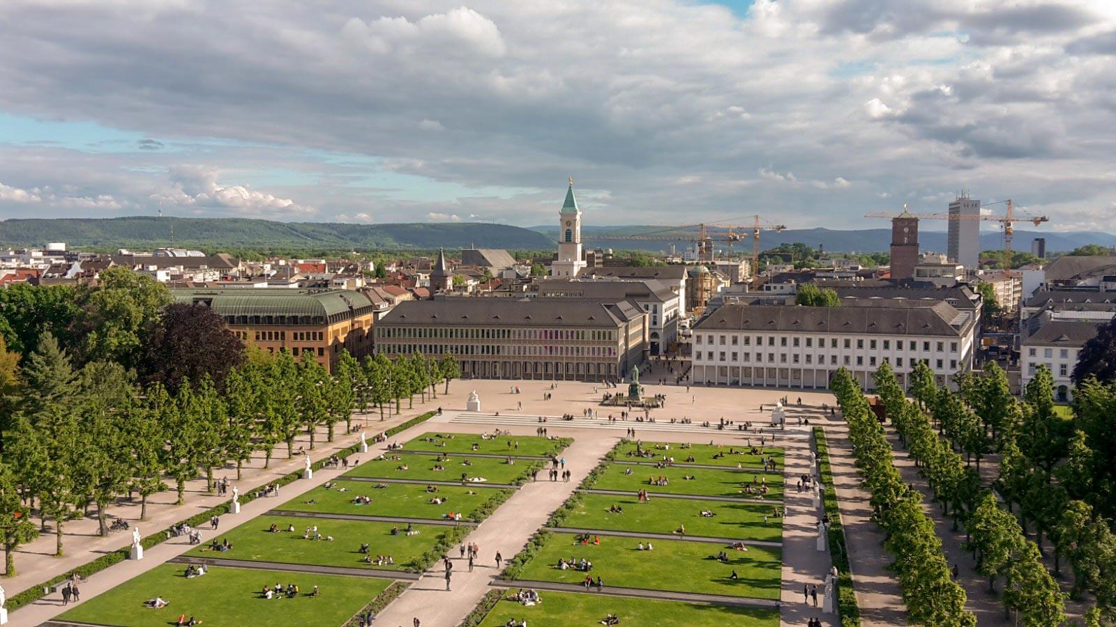 Karlsruher Schlossturm Aussicht auf die Innenstadt