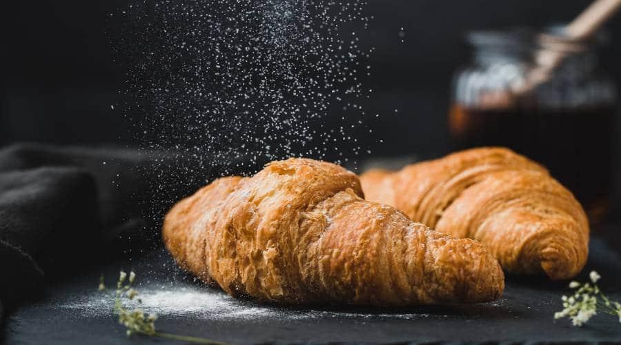 Frisches und Leckeres Croissant aus Frankreich