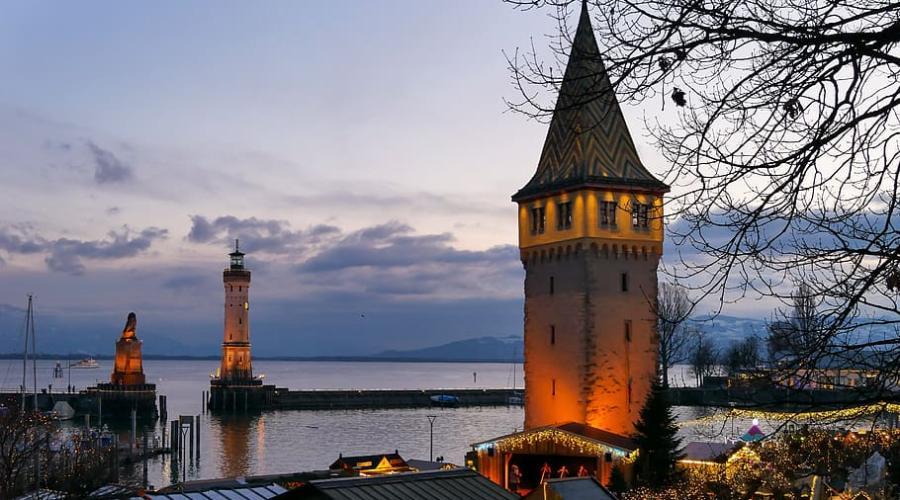 Fahrradtour durch den schöne Lindau Hafen am Bodensee