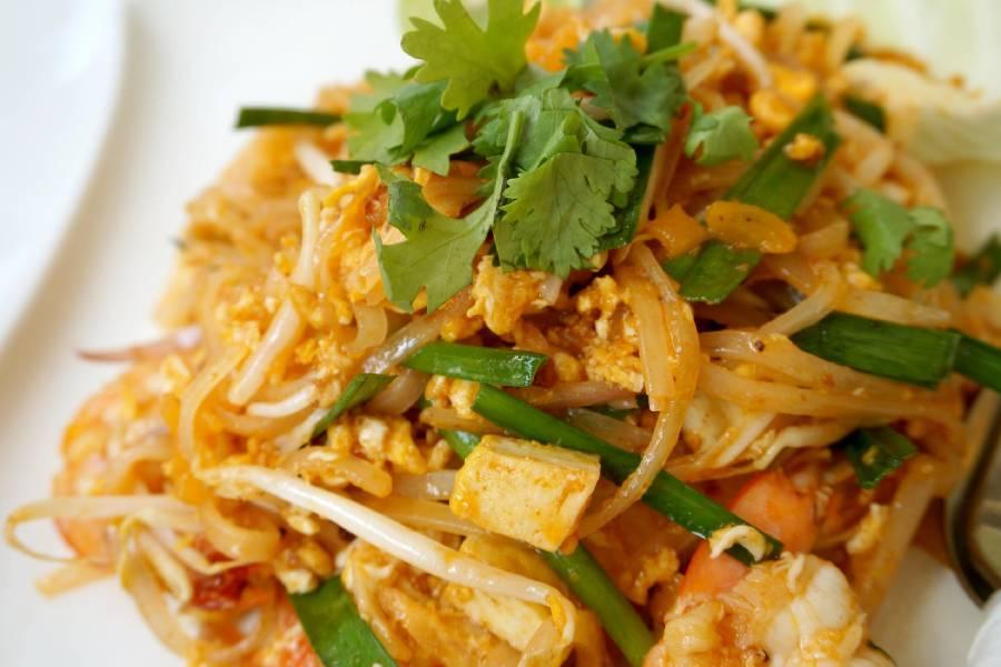 Nam Khao ist ein beliebter Vorspeisensalat aus Laos