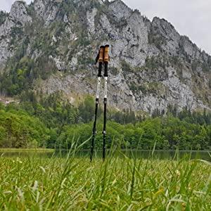 Sind die Schlaufen bei dem Nordic Walking Stöcken aus dem Test abnehmbar?