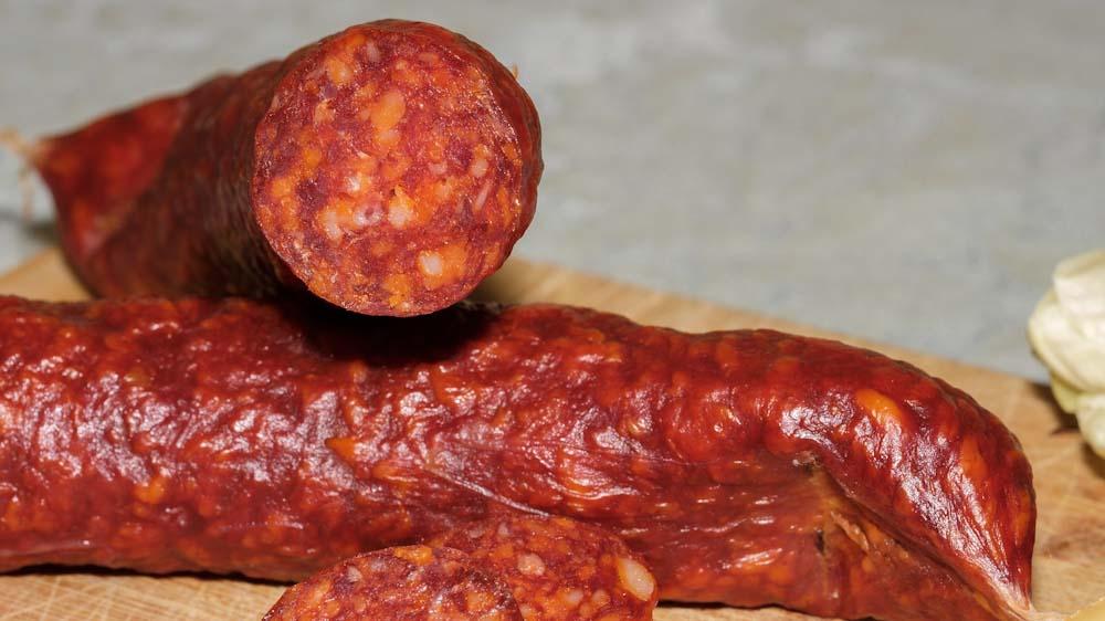 ungarische-spezialitaeten-salami-wurst