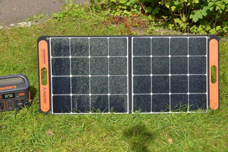 """Faltbares Solarpanel """"SolarSaga 100"""" im Test"""