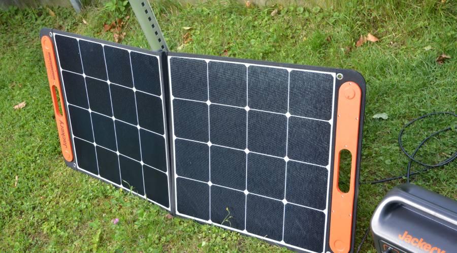 Die Anschlüsse der SolarSaga 100  im Test