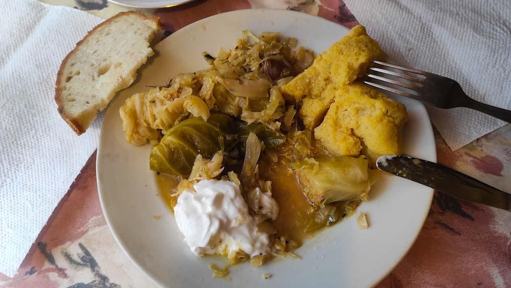 rumaenisches-essen-polenta-maisbrei