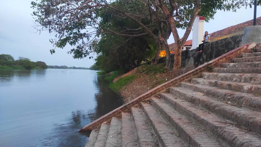 kolumbien-sehenswuerdigkeiten-rio-fluss-mompos