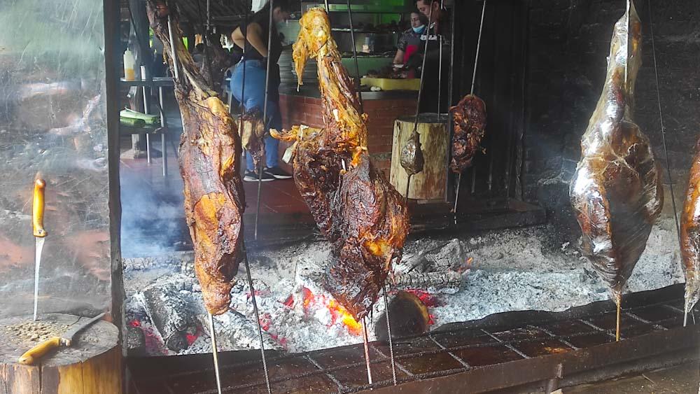 kolumbien-reise-fleisch-essen