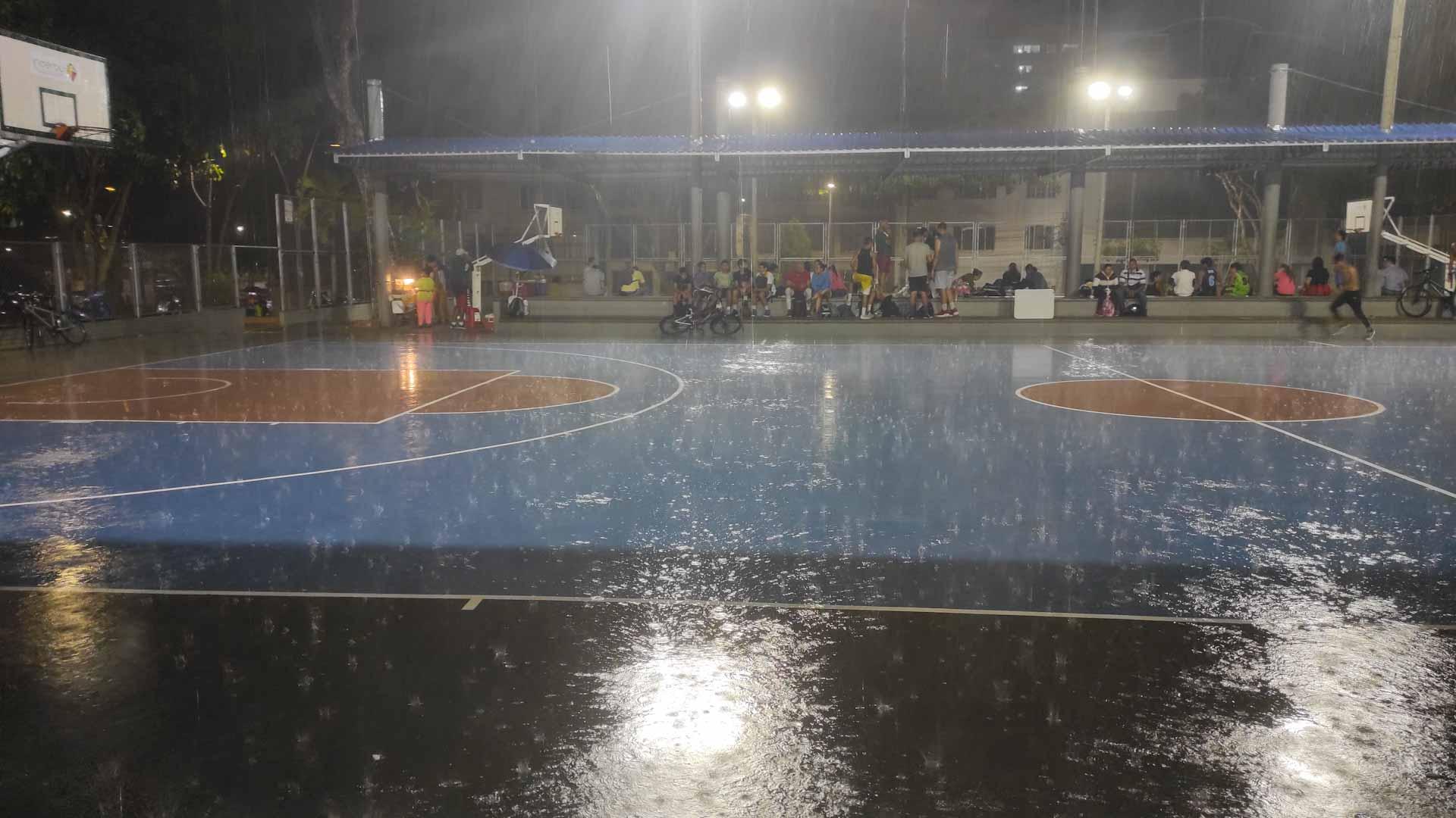 kolumbien-reise-medellin-regen