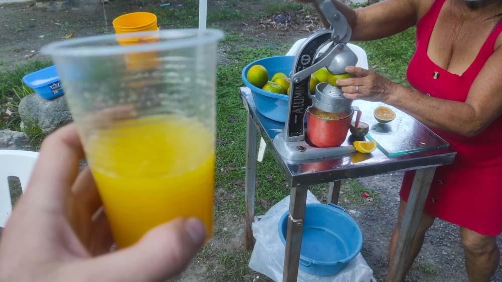 kolumbien-reise-saft-orange