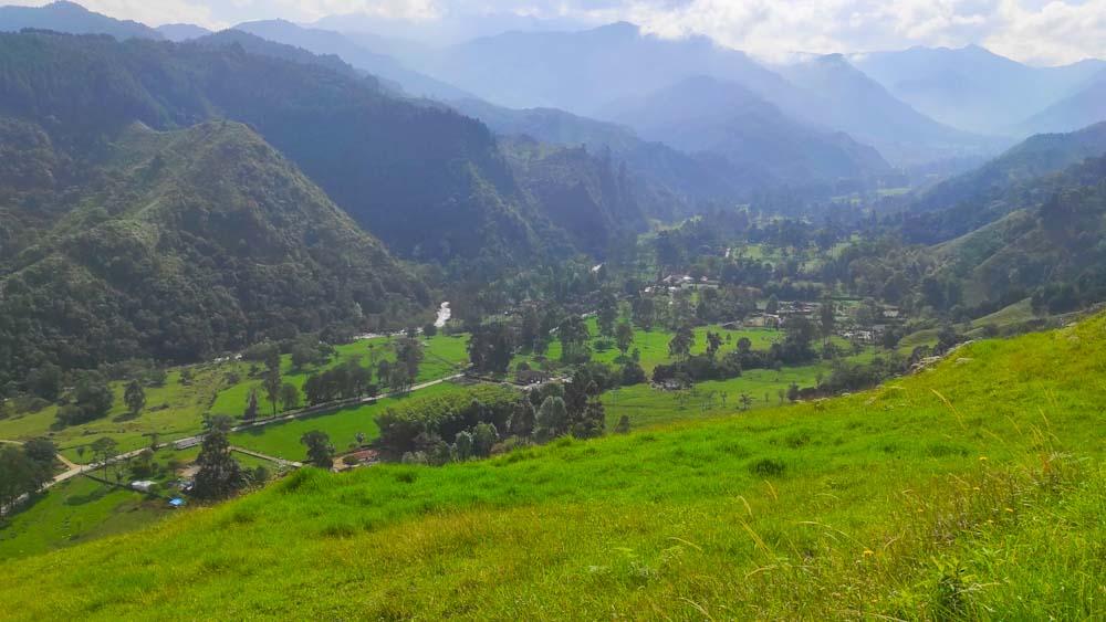 kolumbien-sehenswuerdigkeiten-salento-valle
